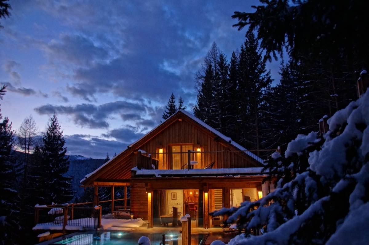 Waldhaus Luxury Chalet with InfinityPool Winterwonderland